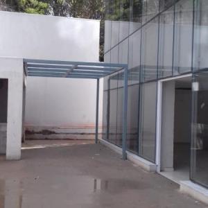 Coberturas metálicas com vidro