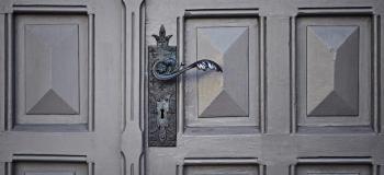 Porta metal